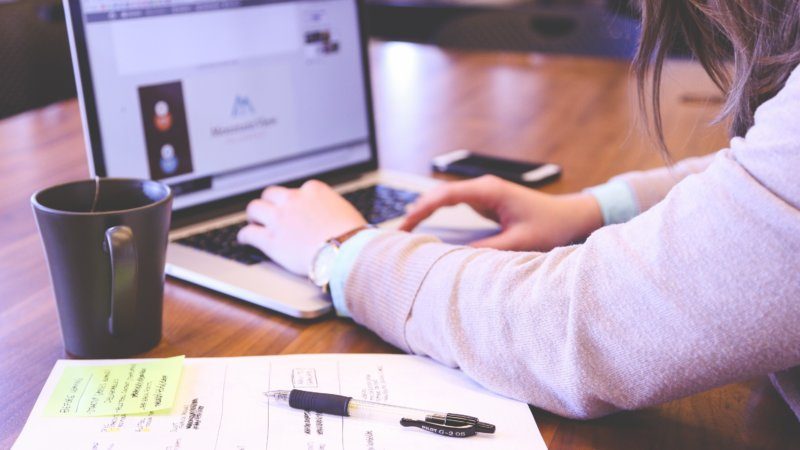 Hiring a marketing specialist to improve your business growth